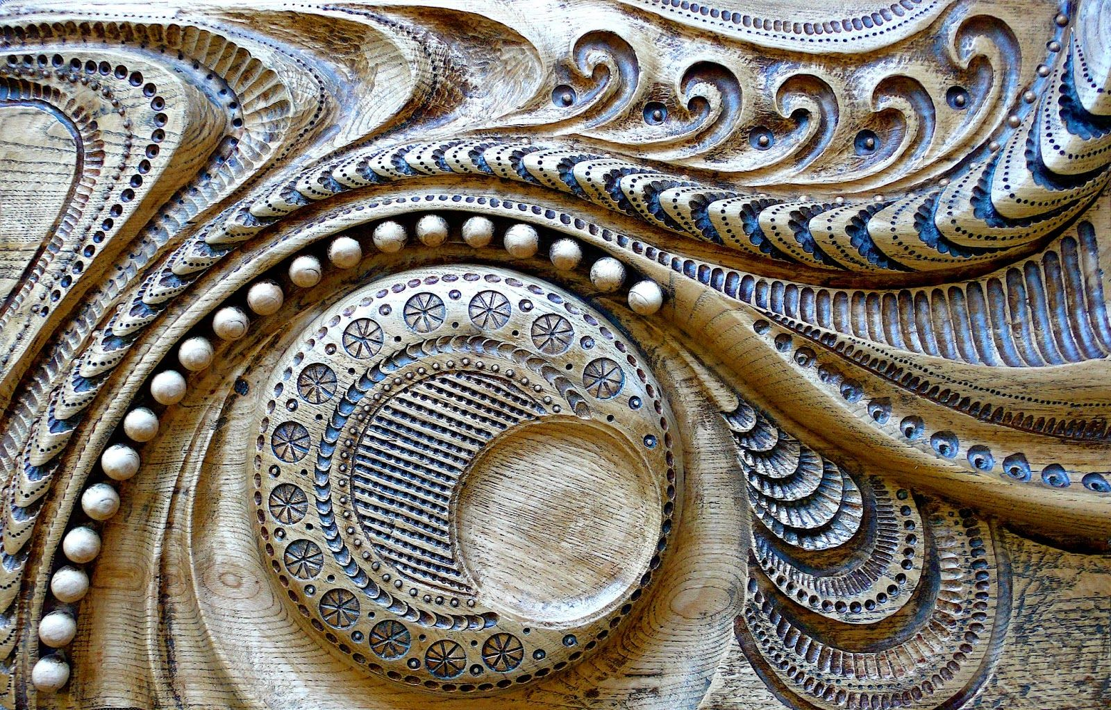 T tulo de la obra la mirada femenina relieve mural - Murales de madera ...