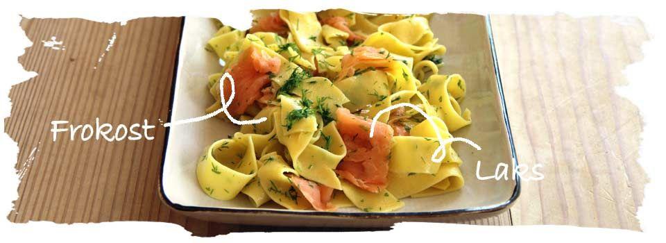 Pastasalat m. koldrøget laks og urter  fra  Salat Tøsen