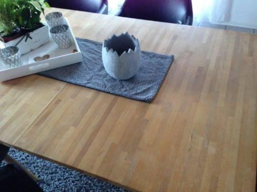 esszimmer tisch buch massiv natur in baden w rttemberg stra berg ebay kleinanzeigen. Black Bedroom Furniture Sets. Home Design Ideas