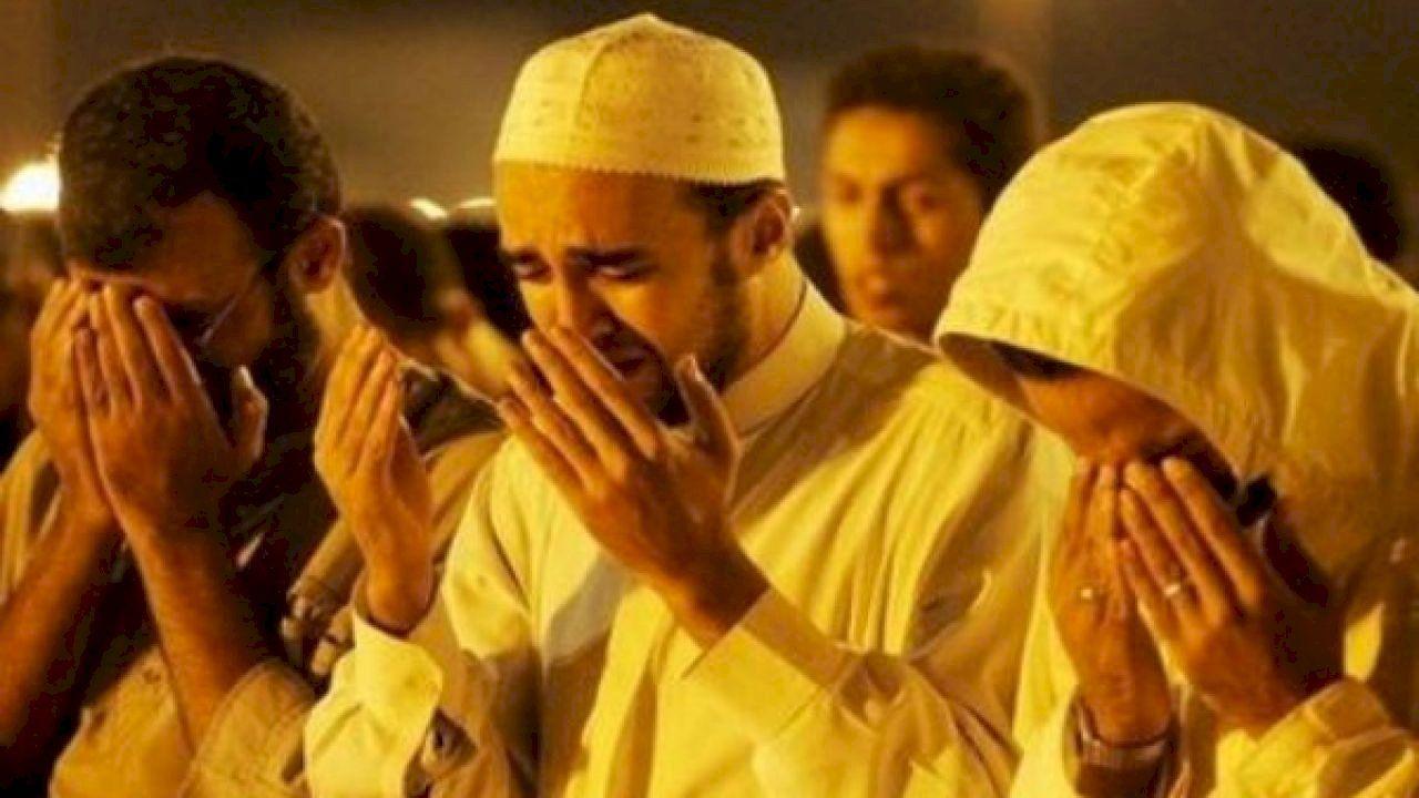 ما هو عدد ركعات صلاة التراويح How To Make Dua Allah Couple Photos
