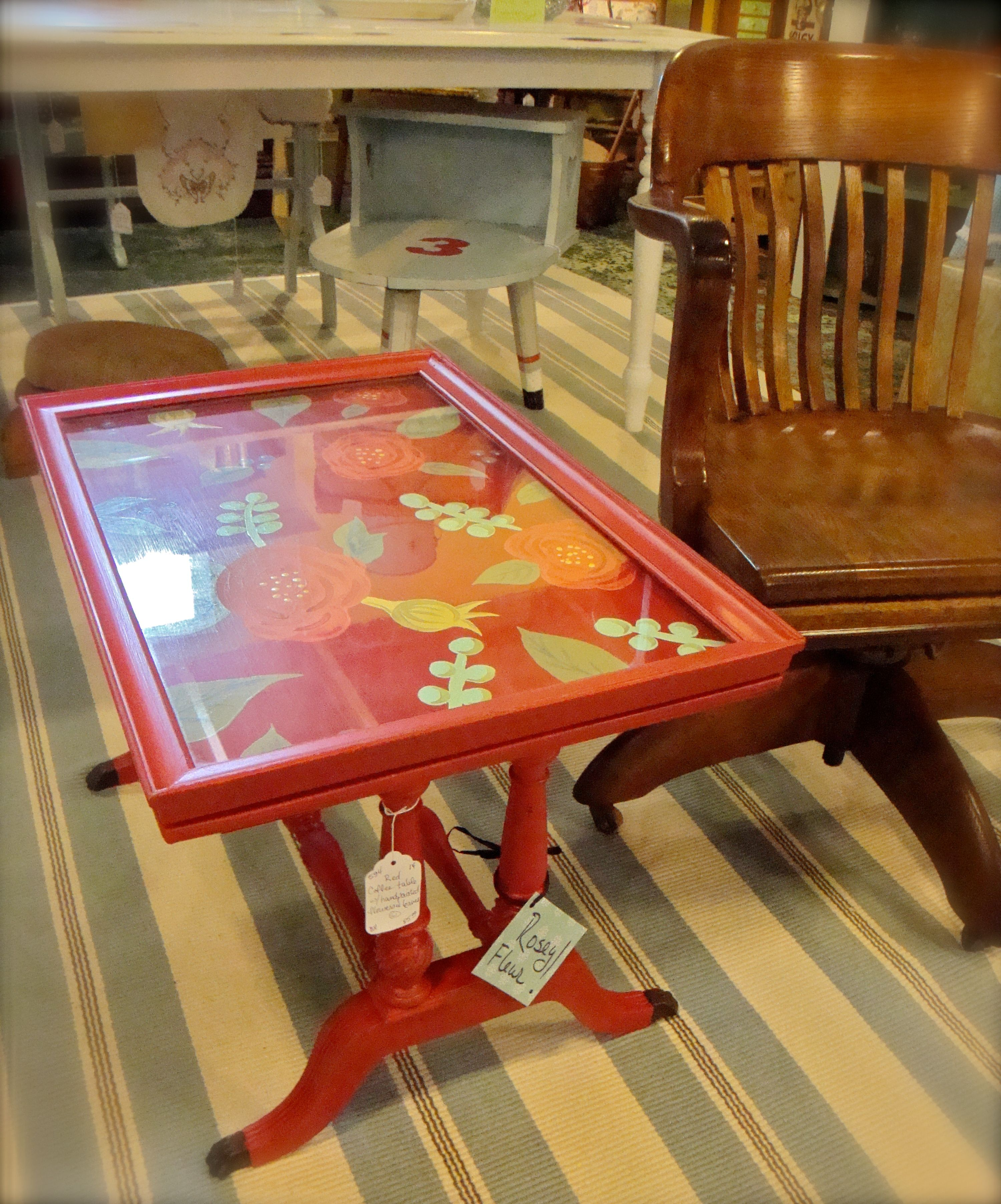 Vintage Coffee Table With Removable Glass Tray Top. I