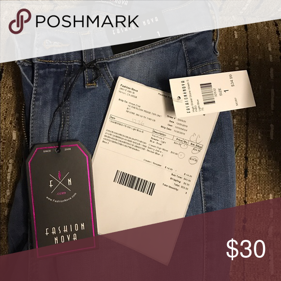 Classic High Waist Skinny Jeans $24 is for one hour only... will bring the price back up***Bought the wrong size and it's too late to return, will post more pics if requested Fashion Nova Jeans Skinny