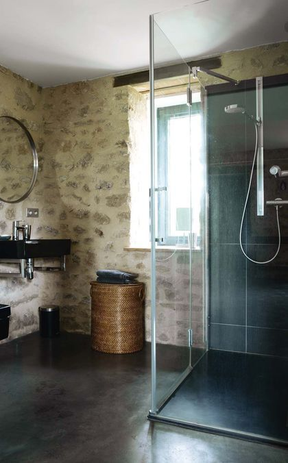 R novation maison ancienne long re ferme sobri t - Renovation mur salle de bain ...