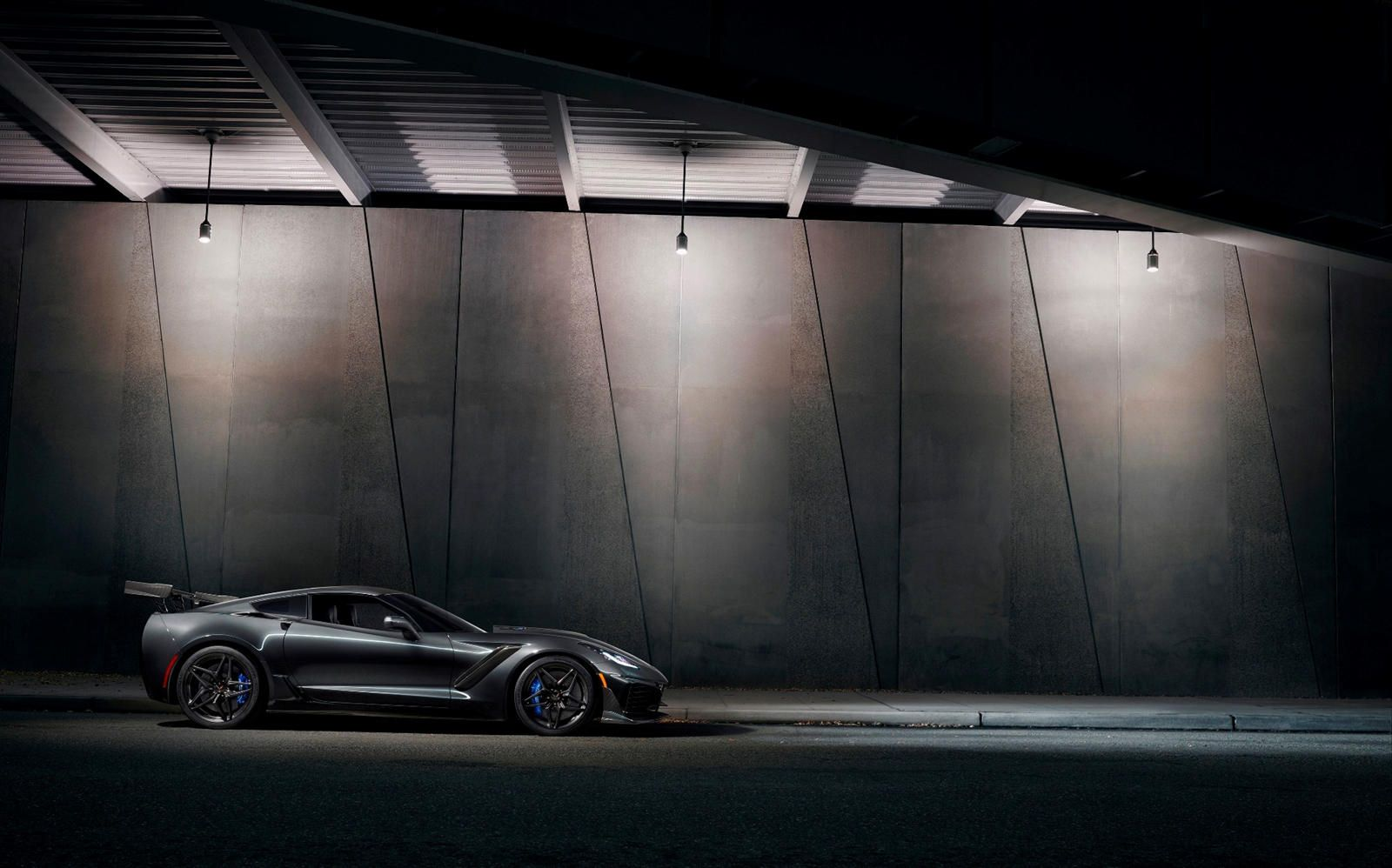 Watch A Corvette ZR1 Scream Its Way To Almost 200 MPH. Lest we forget: the C7 Co…