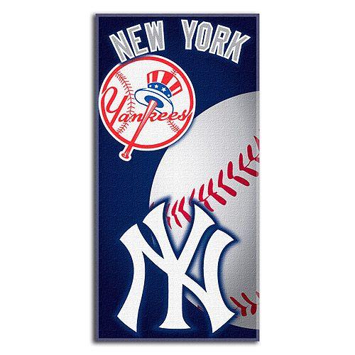 New York Yankees Emblem Beach Towel Mlb Com Shop New York Yankees Logo New York Yankees Yankees