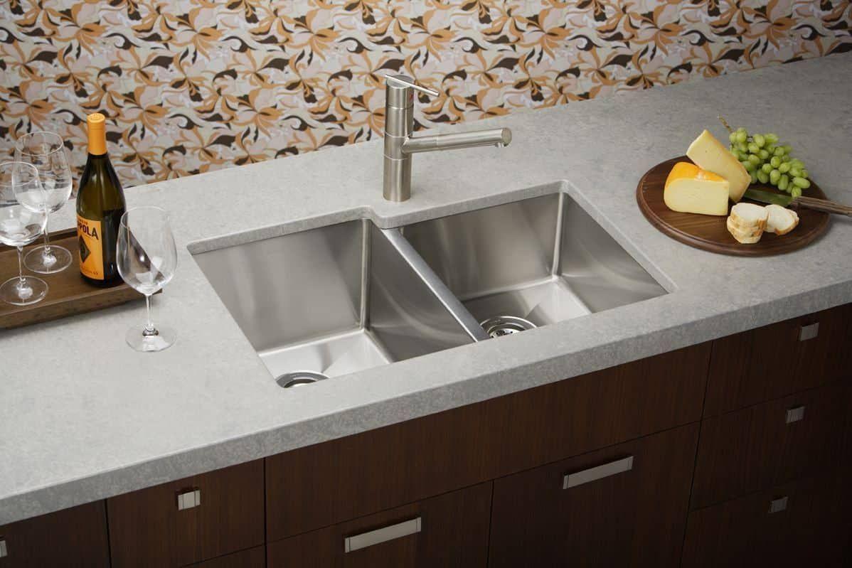 Reinigung Möglichkeiten Für Die Küche Edelstahl Spülen Überprüfen ...