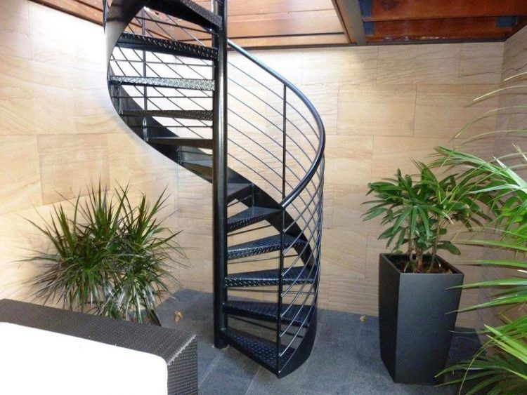 20 Amazing Decks With Spiral Staircase Designs