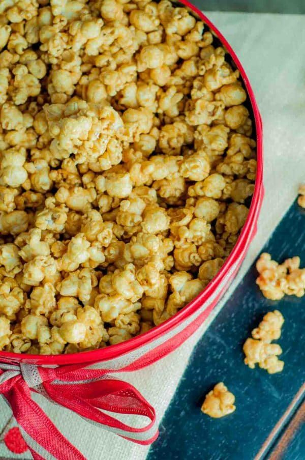 Mom's Easy Microwave Caramel Corn recipe is ridiculously quick and simple to prepare, and the best caramel corn recipe ever! http://www.mamagourmand.com