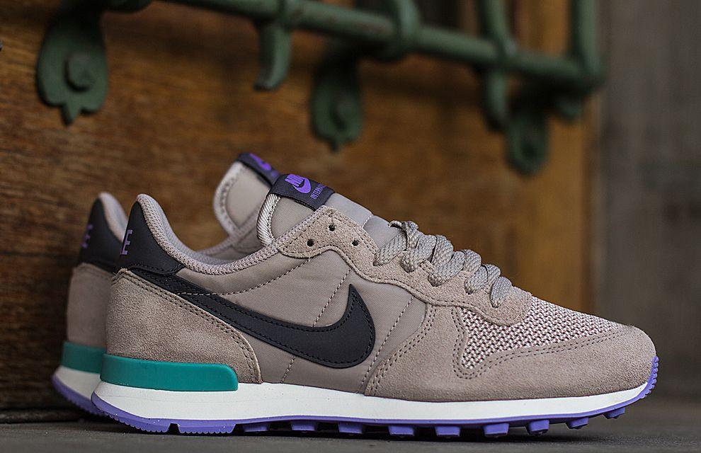 online retailer a11c0 ceee6 Nike WMNS Internationalist  Diffused Jade   Violet