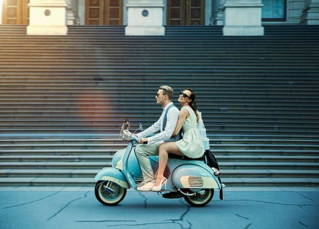 Moped dating