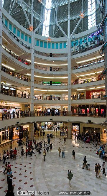 Malaysia Kuala Lumpur Kuala Lumpur City Centre Klcc Suria Klcc Shopping Mall Ma35086 09 Central Court And F In 2020 Kuala Lumpur City Malaysia Shopping Mall