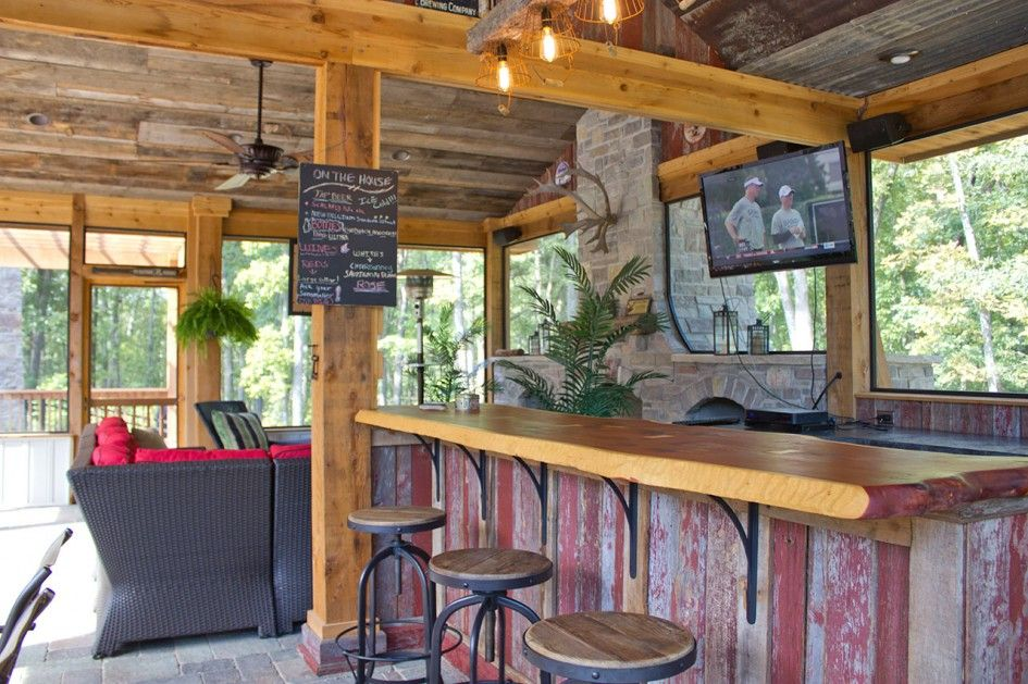 Chic Outdoor Kitchens And Bar Design In Country Rustic Style With Stained Wood Kitchen Island Also Wooden Seat Iron Sviwel Stools From DIY