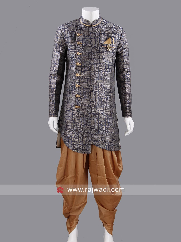 Marvelous navy color indo western with fancy broach rajwadi