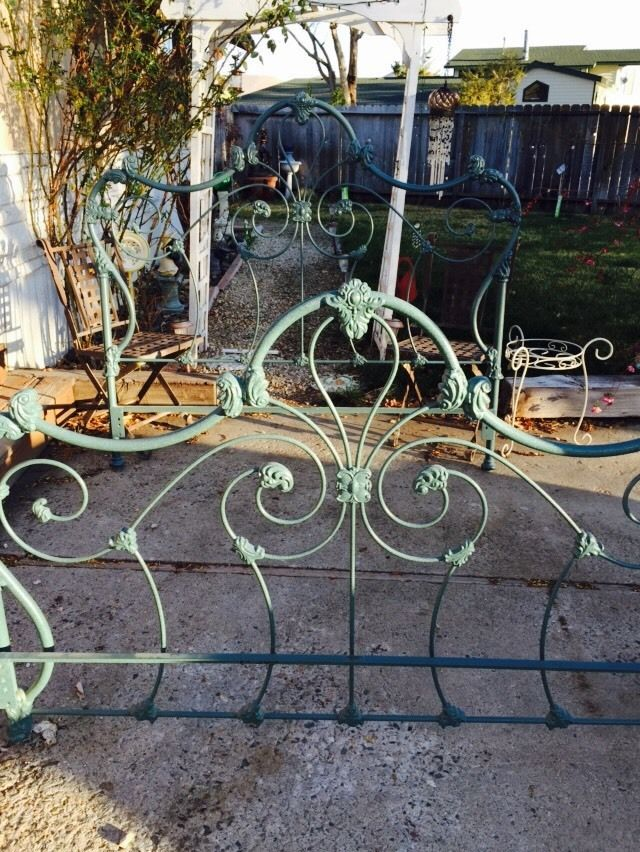 Antique Style Ornate Wrought Cast Iron Metal Bed Frame Wrought