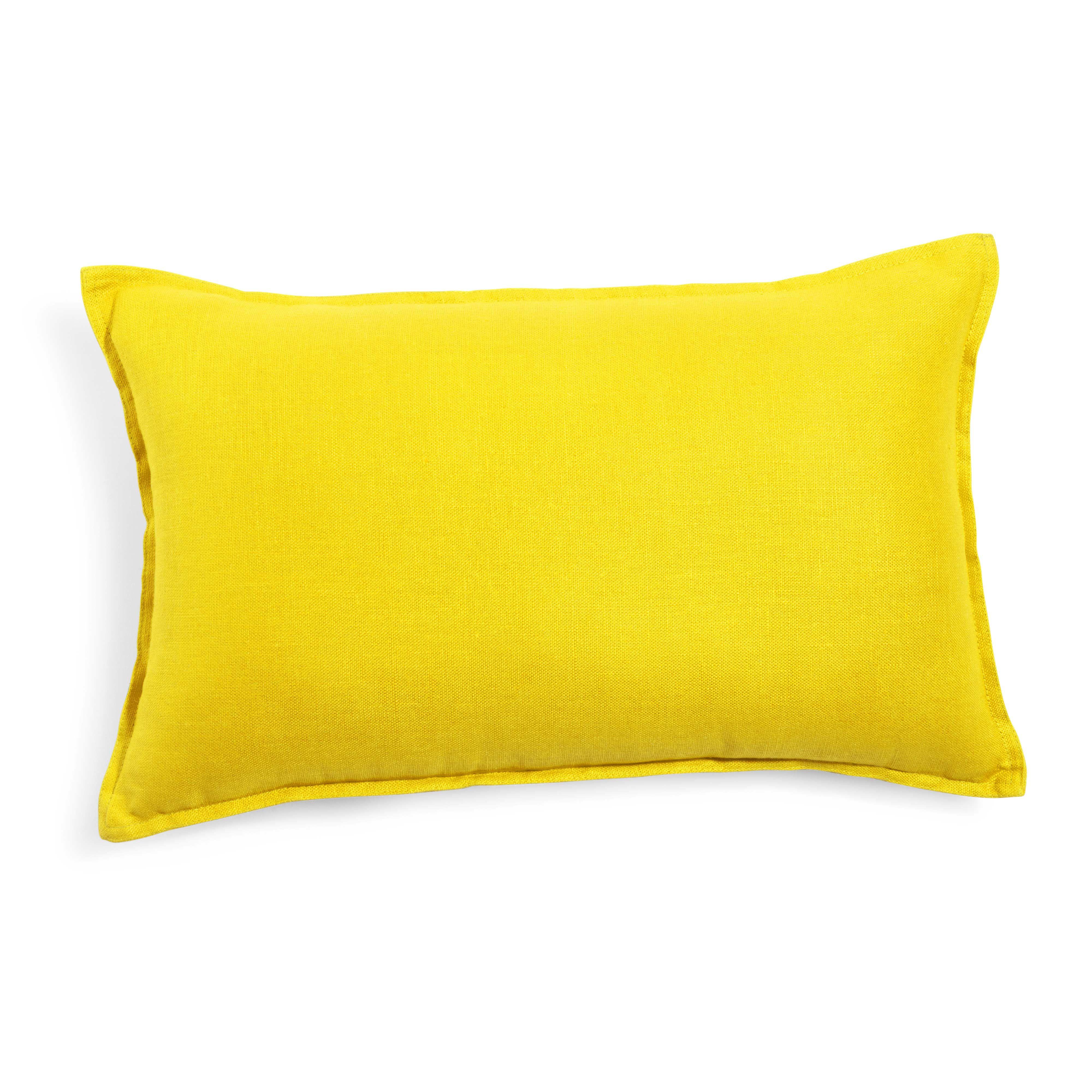 coussin en lin lav jaune 30 x 50 cm maisons du monde. Black Bedroom Furniture Sets. Home Design Ideas