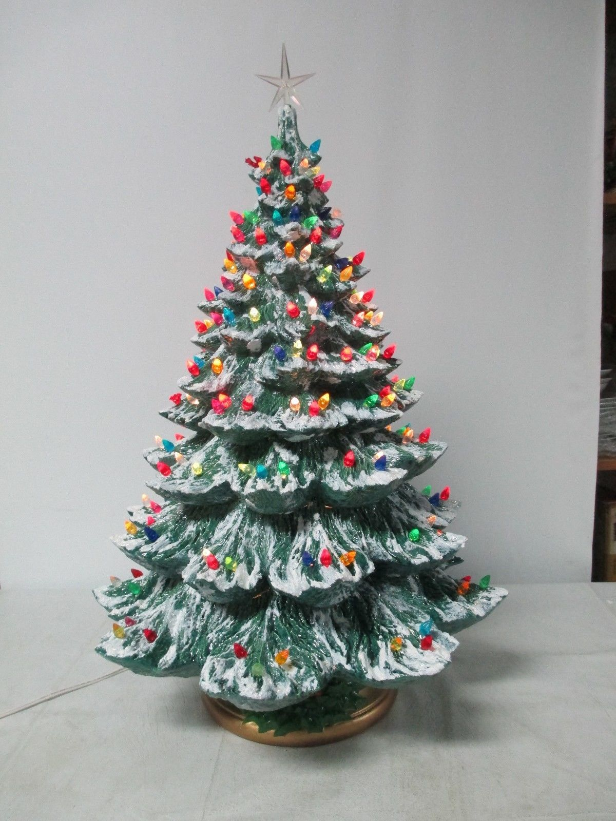 26 Vintage Ceramic Christmas Tree Holland Mold W Lights Snow