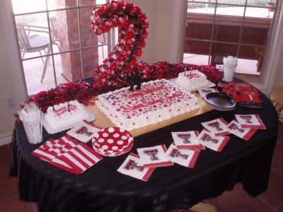 What a cute Texas Tech party display! | Red raider party ...