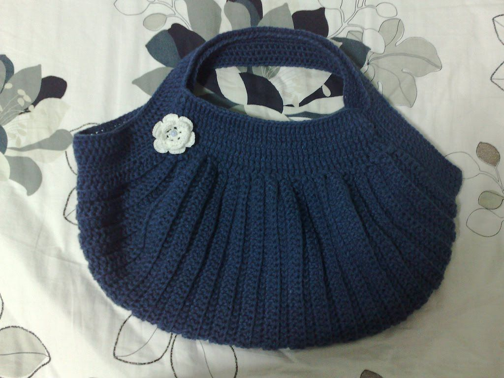 Pleated crochet bag part 1 new bag crocheted bags crochet crochet crafts free crochet patterns bankloansurffo Image collections