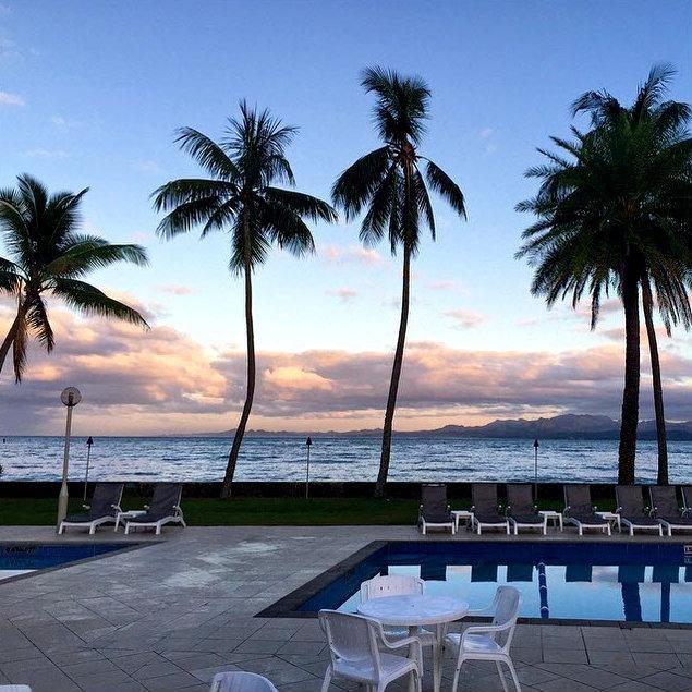 Pool Beach The Best Of Both Worlds In Holiday Inn Suva Fiji