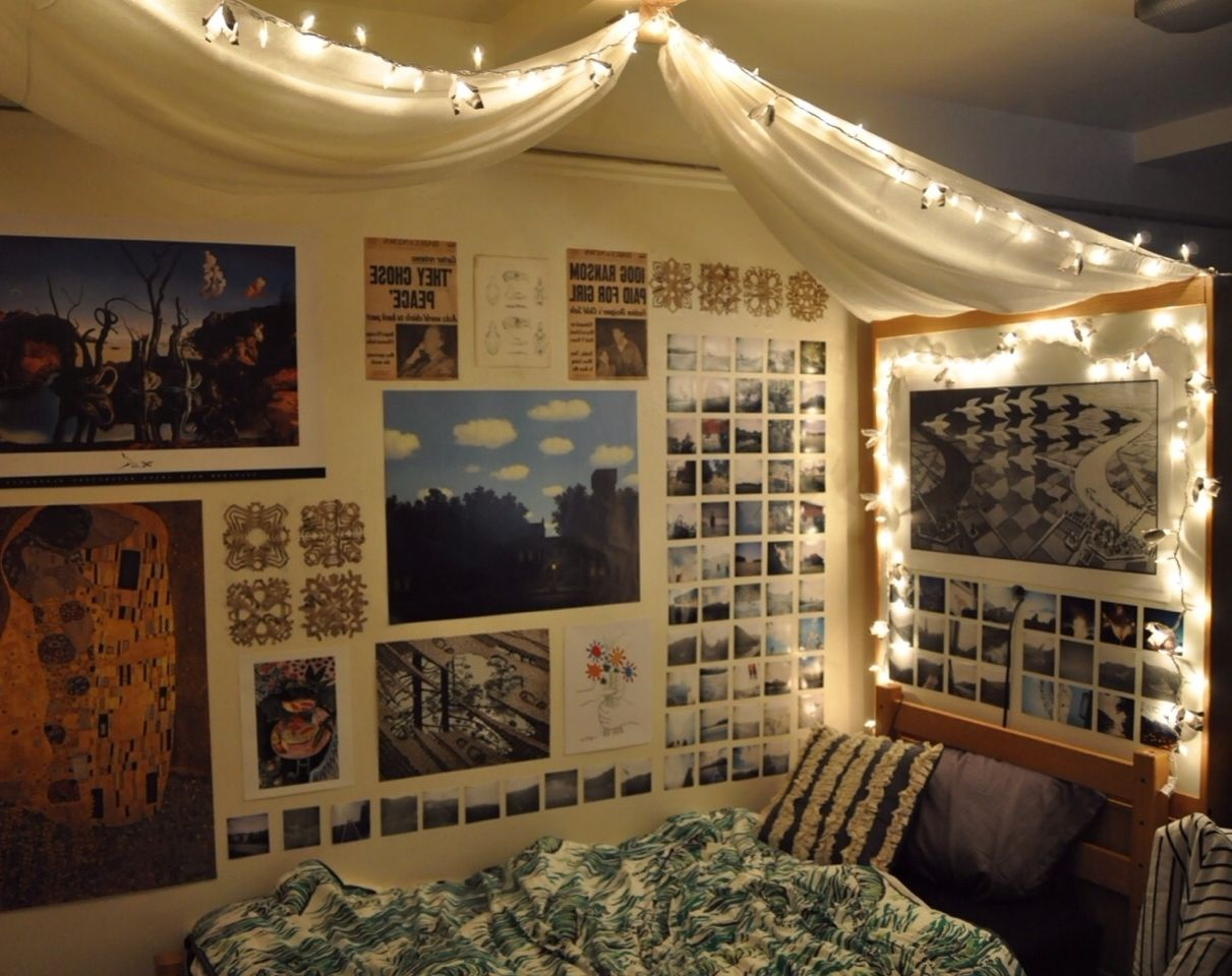 Cool rooms with lights tumblr - Decorations Tumblr Bedroom With Posters