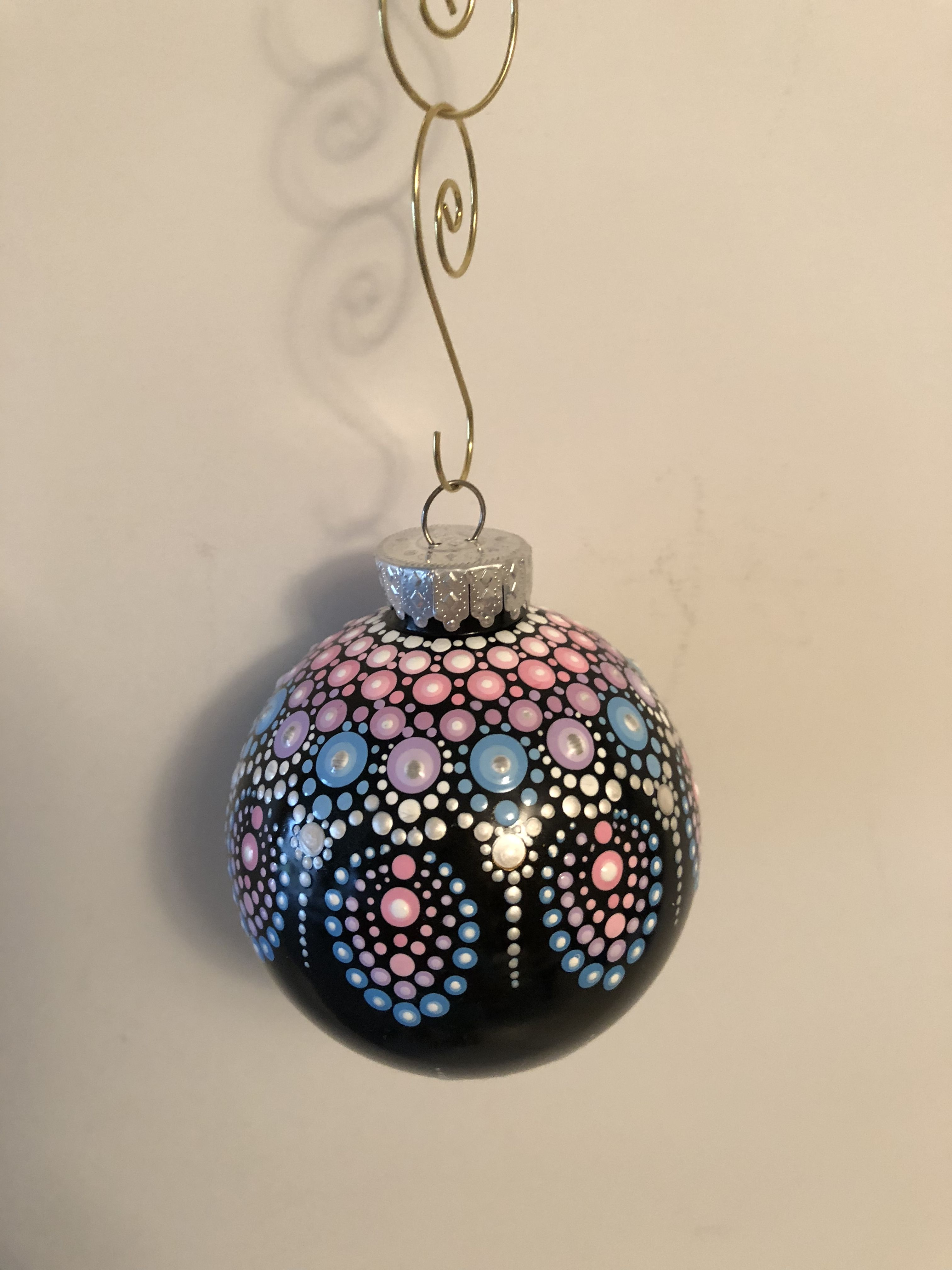 Pin By Val Prego On Mandala Painted Christmas Ornaments Christmas Mandala Christmas Art