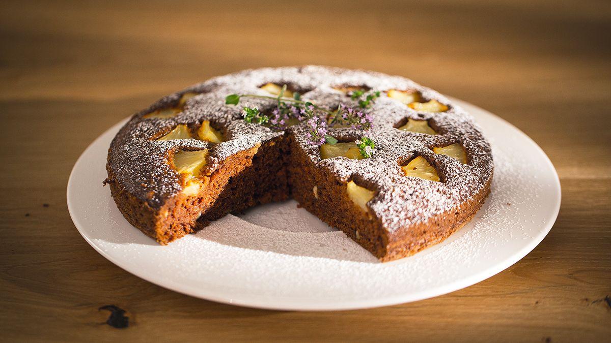 Jak Zrobic Pyszne Ciasto Marchewkowe Sprawdz Przepis Tomasza Dekera Z Kuchni In 2021 Cake Recipes Food Cake