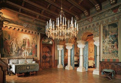 Neuschwanstein Castle interior | http://awesome-my-famous-castles.blogspot.com