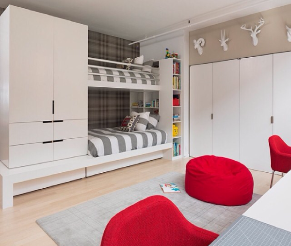 Decoração de quartos de crianças com cama no alto  Quartos