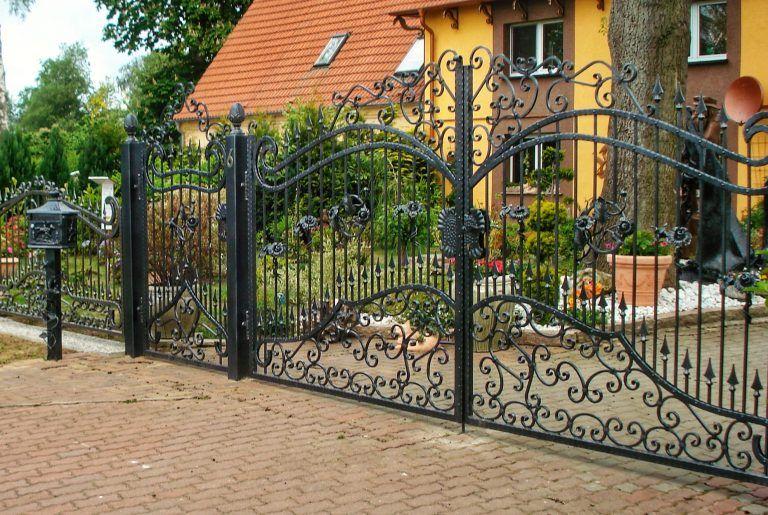 Zaun Aus Polen Mit Montage Metallzaun Regulazaun Zaune Aus Polen Metallzaun Polen Zaun