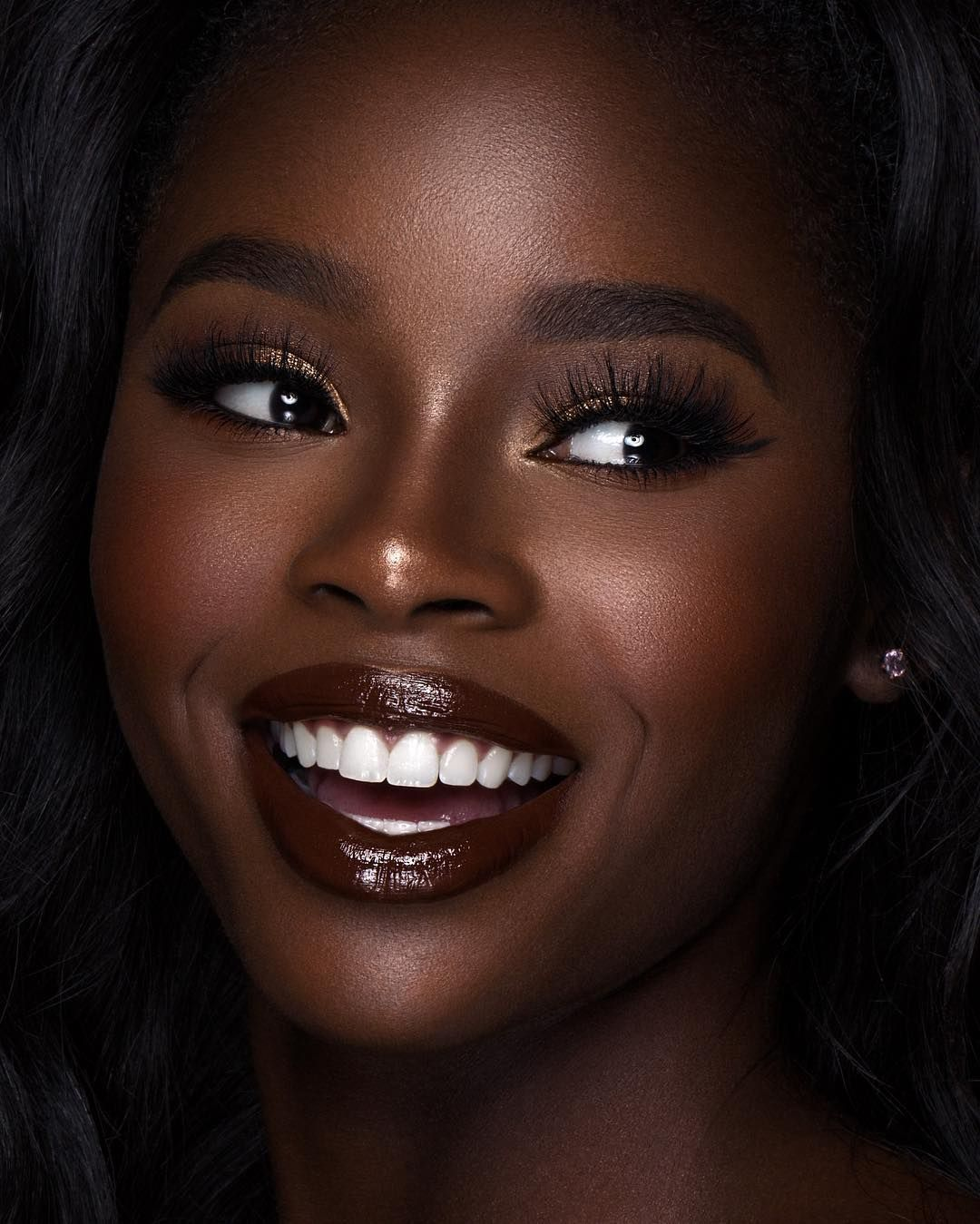 beautiful make up look, black girl, brown eyes, dark skin, glowy