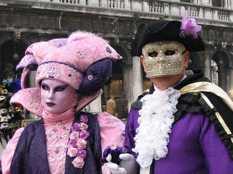 #travelwithjoho #carnival #carnivalofvenice #venice #carnivalmask