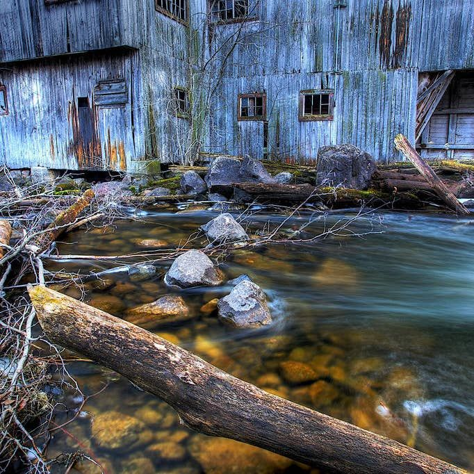 19 Terrifying But Gorgeous Abandoned Places In Canada In