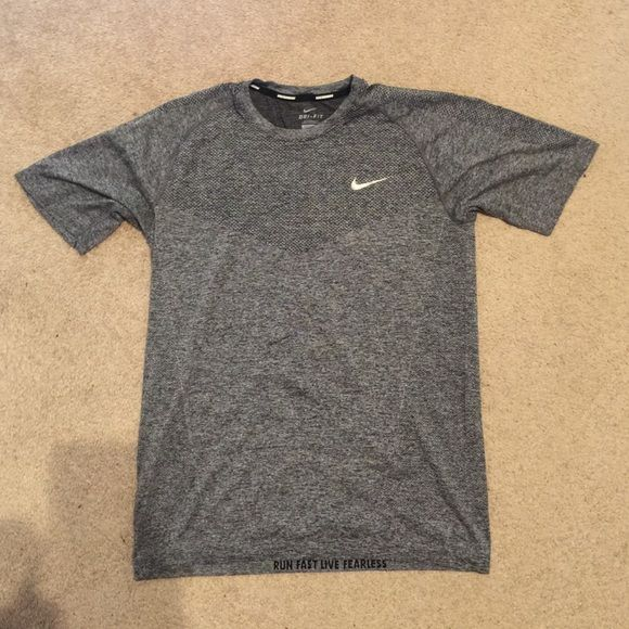 Nike men's Dri Fit running shirt Great grey color size