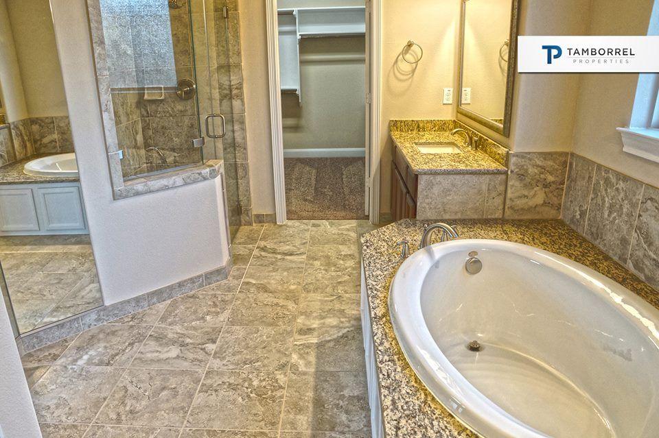esta casa cuenta con excelentes opciones para relajarte despus de un arduo da el jacuzzi