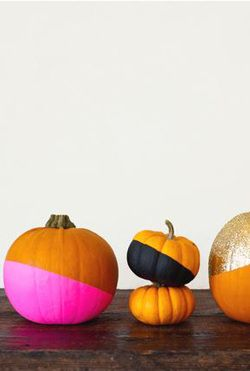 Dye dipped pumpkins / contemporary pumpkin design / out of the box / Bright colours / Hot Pink / Glitters / Black/ Halloween