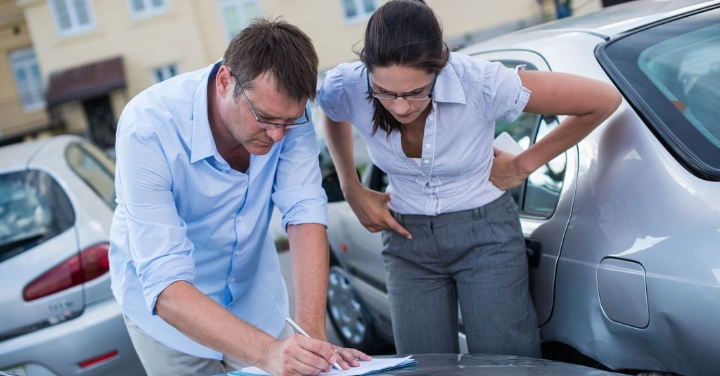How to handle a parking lot accident car insurance tips