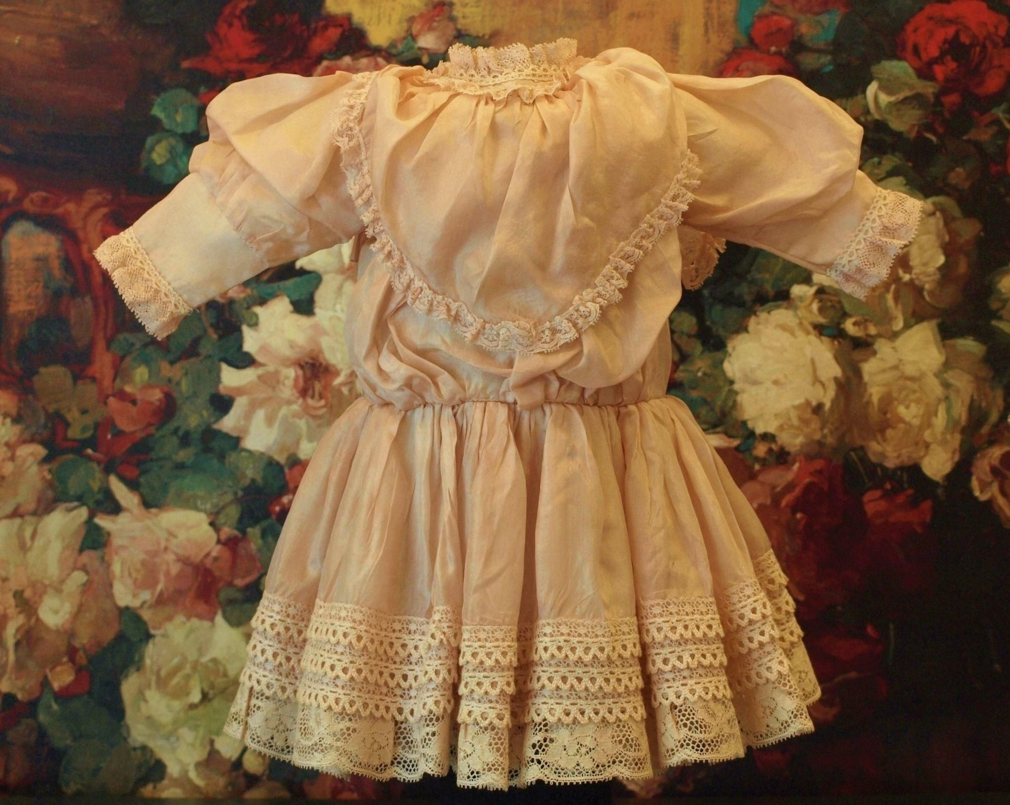 Stunning Soft Silk and Lace Dress With A Light Variation Of Pink -Just Beautiful for the French or German Doll