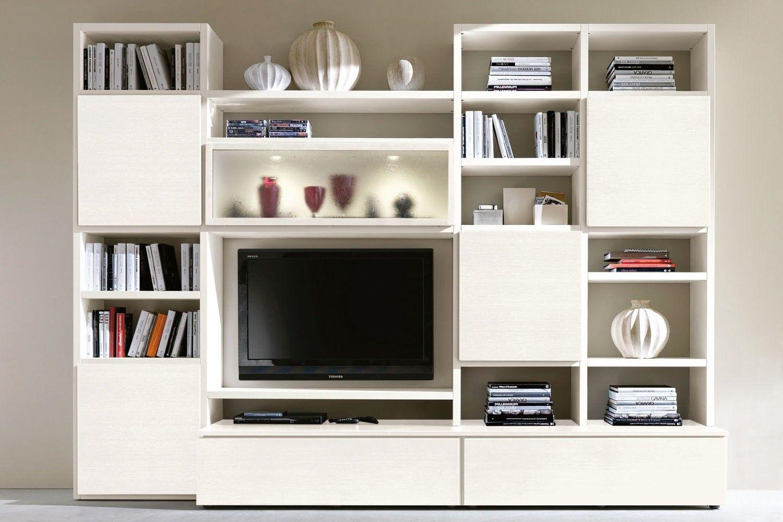 Parete attrezzata moderna bianca 604 con colonne libreria, basi contenitore e vetrina a ribalta ...