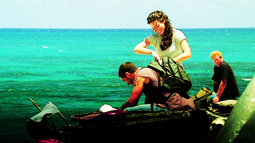 They're the cutest!! Evangeline Lilly and Matthew Fox as Kate Austen & Jack Shepherd in Lost.