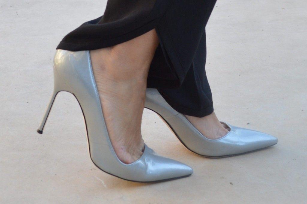 Manolo Blahnik. #shoes #luxury #manoloblahnik #silver #holidays #style #fashion