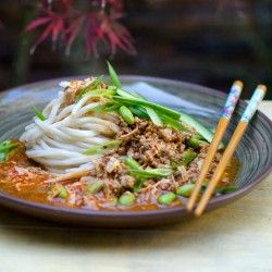 Zha jiang mein - A deliciously easy Chinese noodle dish