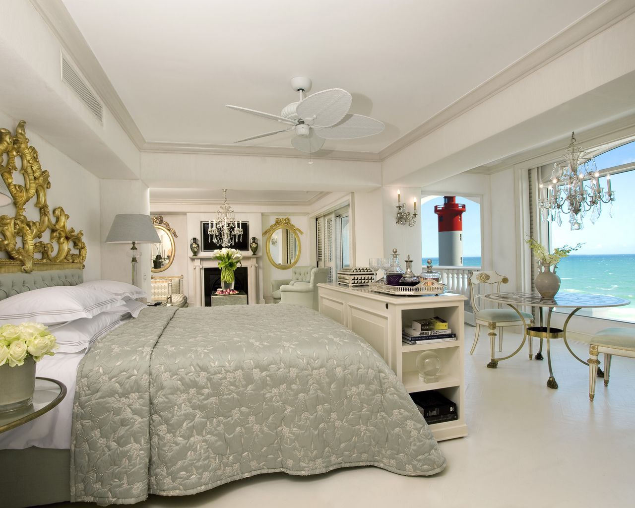 With 86 luxurious rooms, suites and villas to choose from, The Oyster Box will not disappoint in combining old world charm with modern luxury. Chat to our team 0860 119 119 to book tour #mtbedsLuxuryTravel getaway