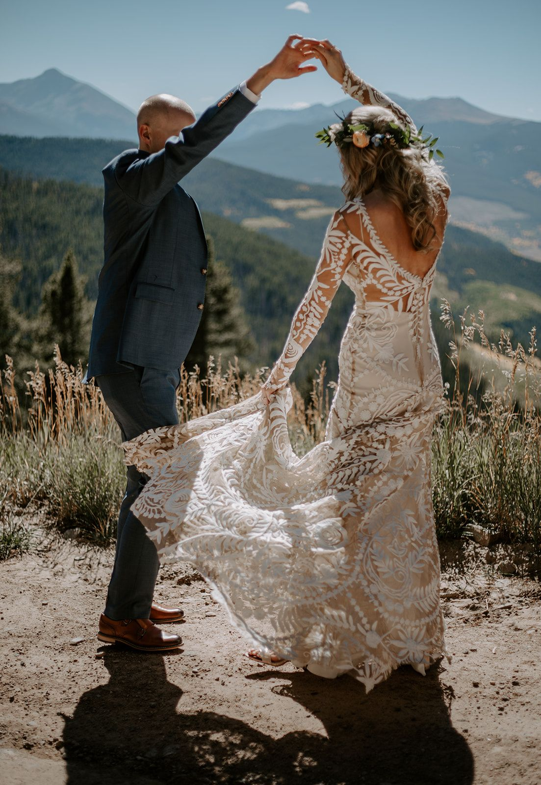 Bohemian Mountaintop Wedding Ceremony In Vail Colorado Real Wedding Mountain Top Wedding Mountain Bride Mountain Wedding Colorado