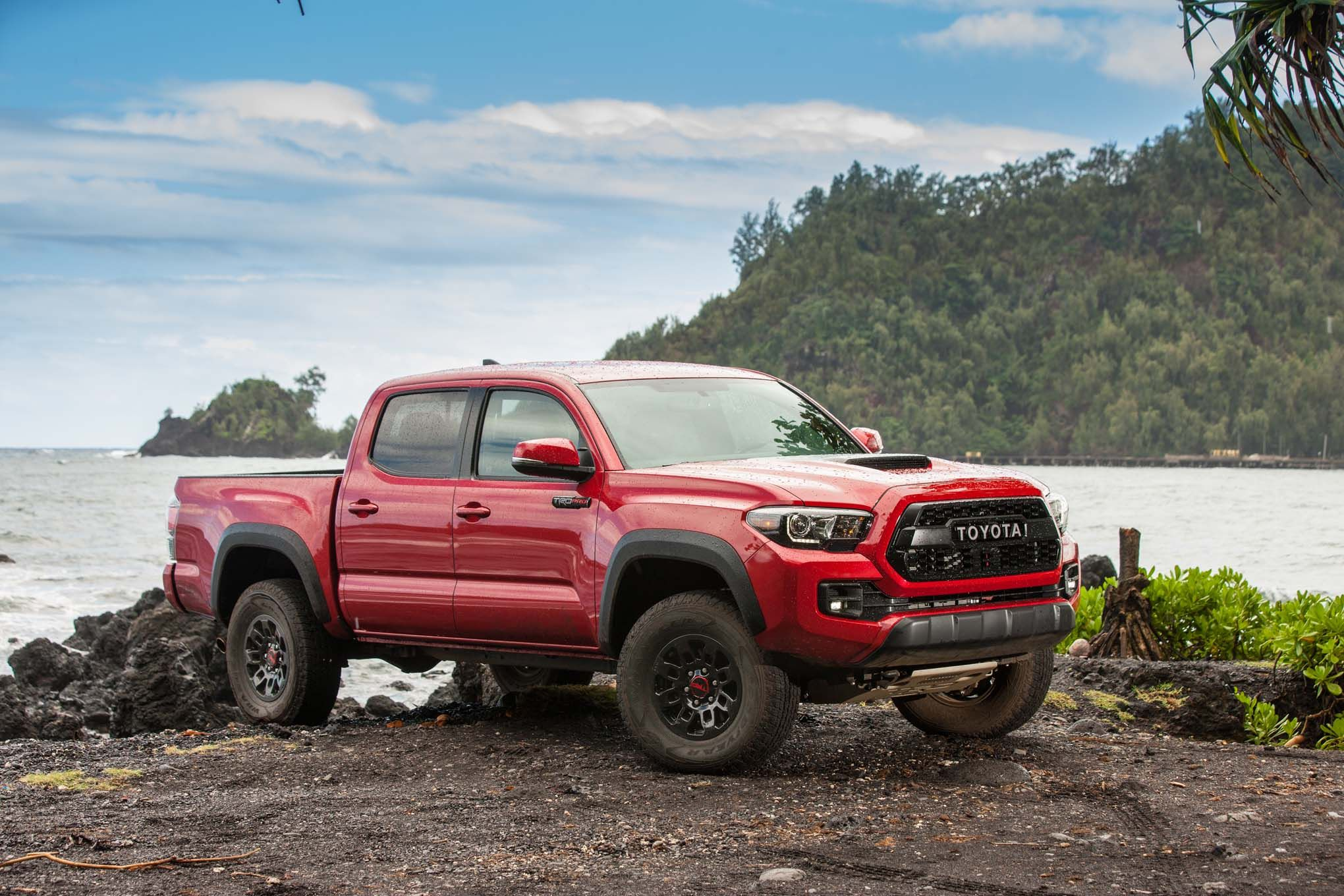 2017 toyota tacoma trd pro off road review motor trend tacoma pinterest toyota tacoma. Black Bedroom Furniture Sets. Home Design Ideas