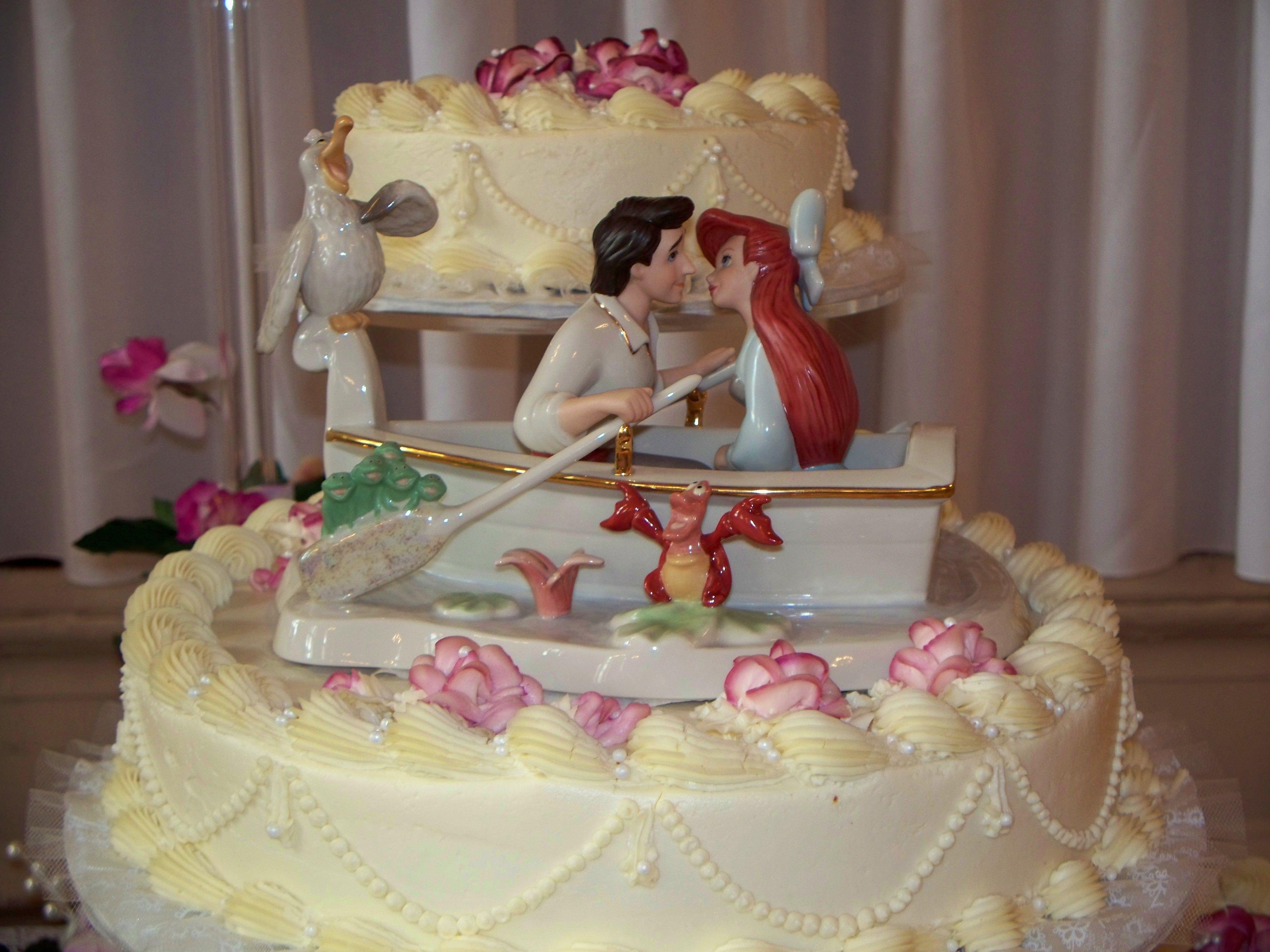 A Disney princess wedding calls for a princess-worthy cake ...