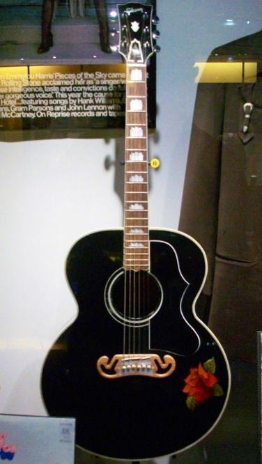 Cette guitare est vendue  - Page 2 91671acbbf04cc921d874d57c3e2b980