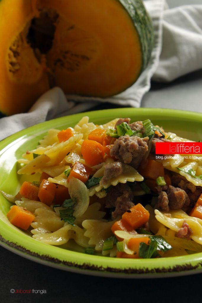 Pasta con zucca e salsiccia Ricetta facile (con immagini