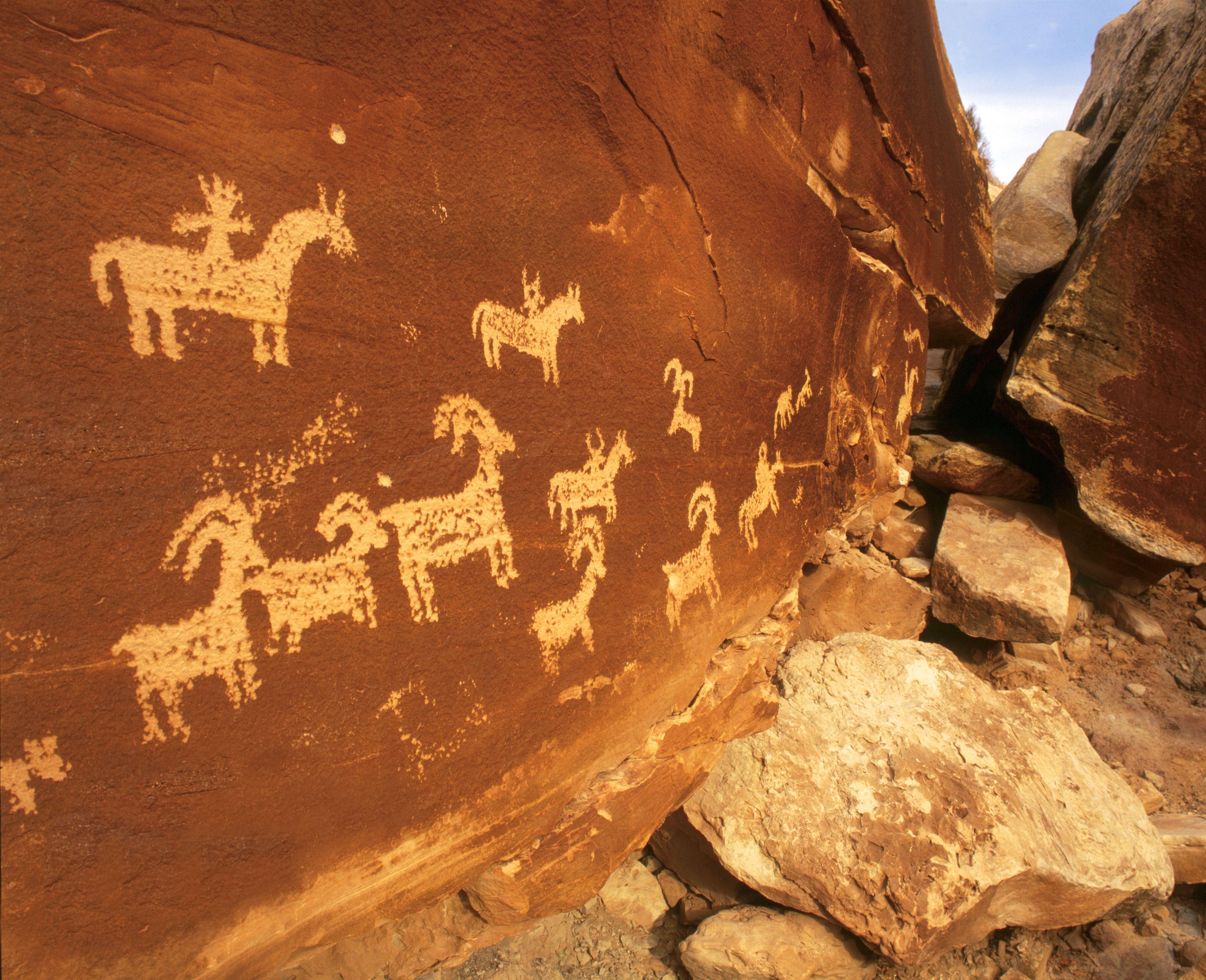Moab utah wolf cabin petroglyphs travel pinterest for Moab utah cabins