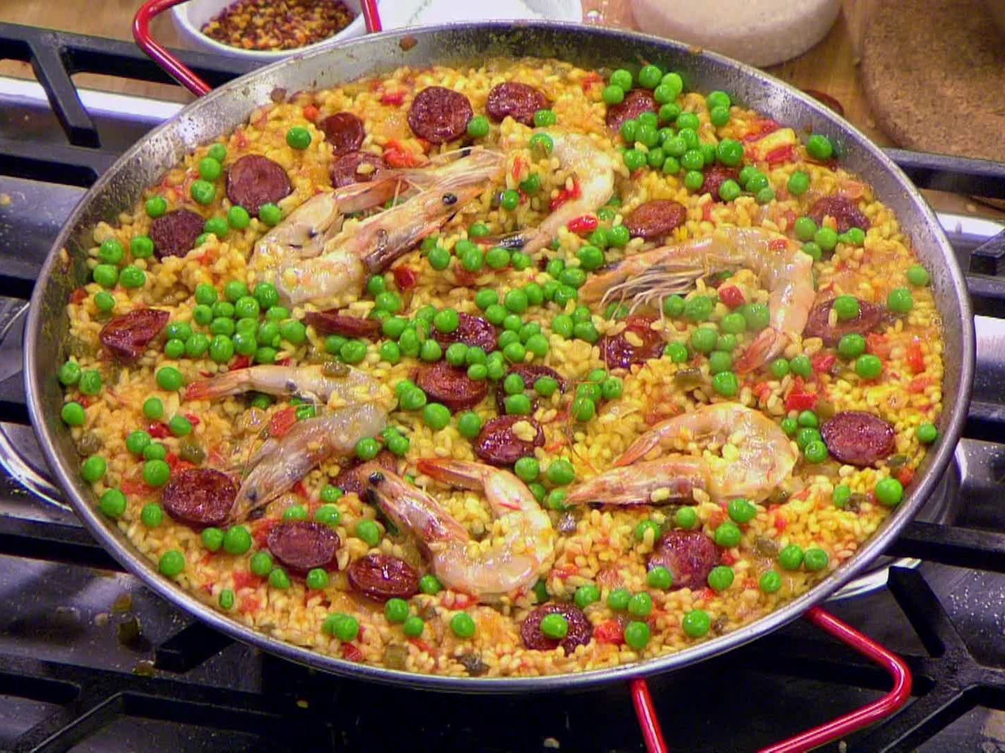 Seafood and chorizo paella recipe paella recipes and food get this all star easy to follow seafood and chorizo paella recipe forumfinder Images