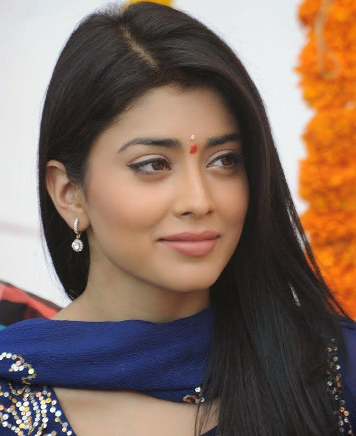 Priyanka Chopra Actress Into The Gloss Priyanka Chopra Celebrity Skin Care Celebrity Skin Care Routine